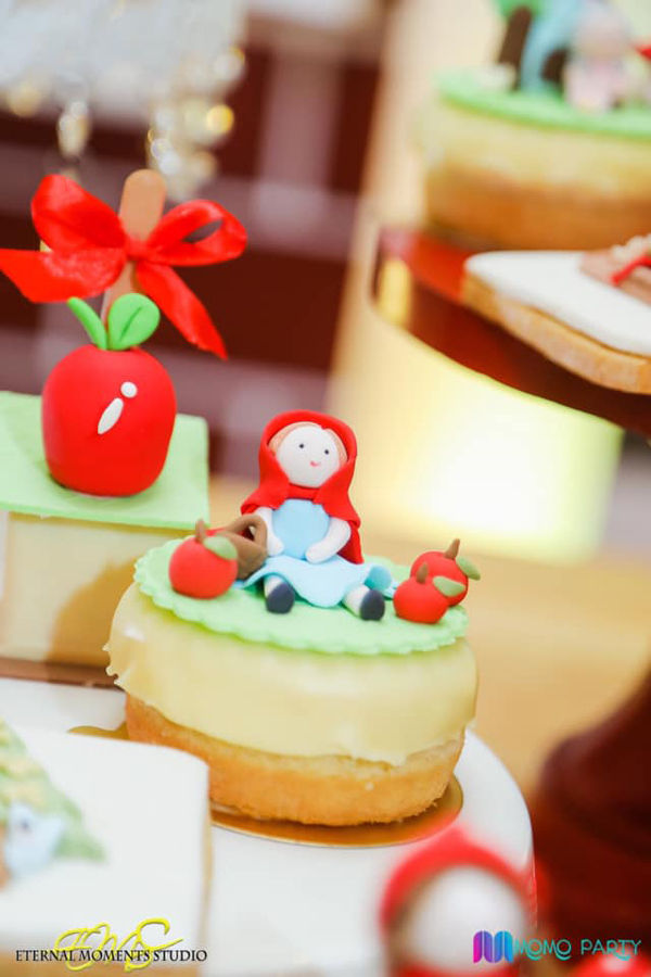 Little Red Riding Hood Dessert
