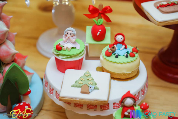 Little Red Riding Hood Birthday Desserts
