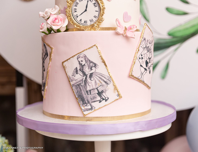 Alice In Wonderland Birthday Cake Design