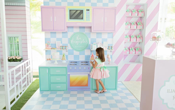 Dollhouse and Pastry Shop Party
