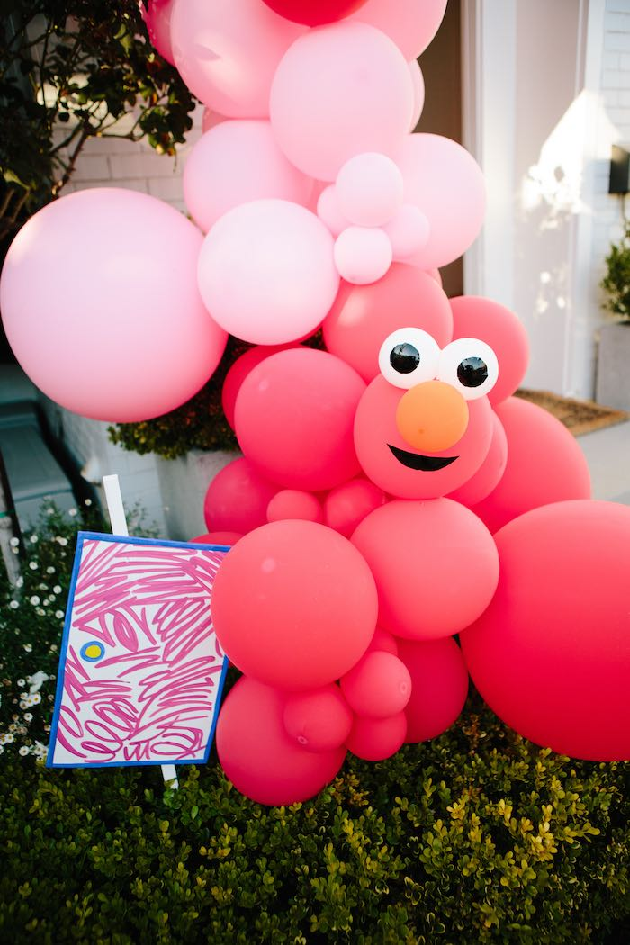 Elmo Balloon Garland