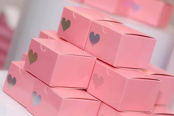 Pink Favor Boxes With Hearts