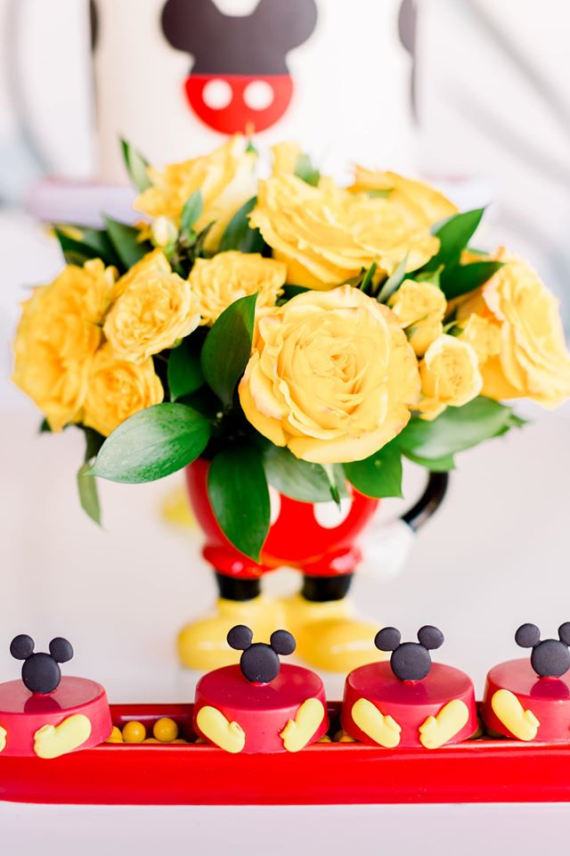 Mickey Mouse Flower Centerpiece