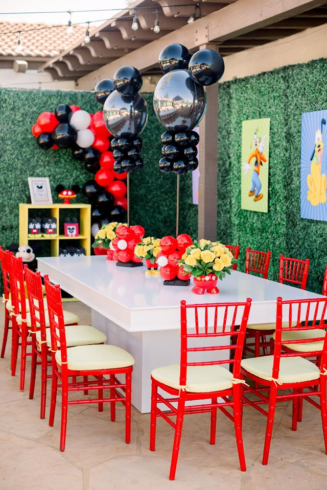 Mickey Mouse Balloon Centerpieces