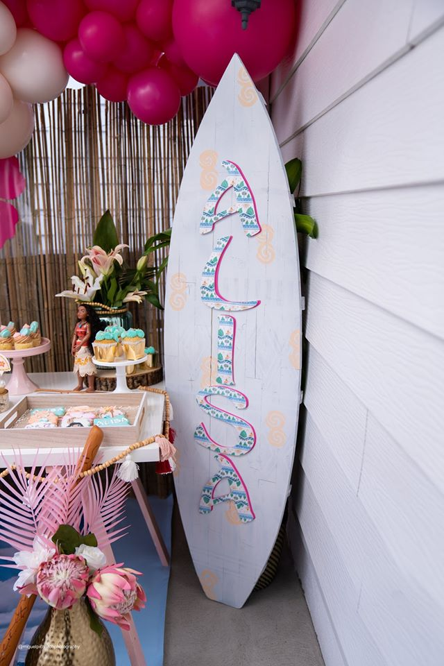 Personalized Surf Board Decoration