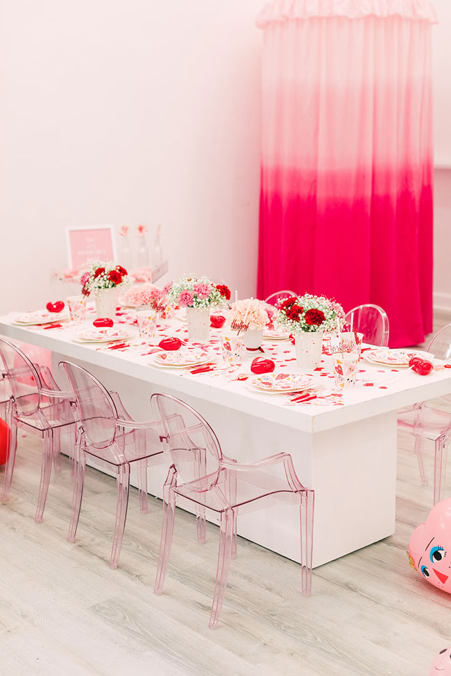 Valentine's Day Party Table Setting