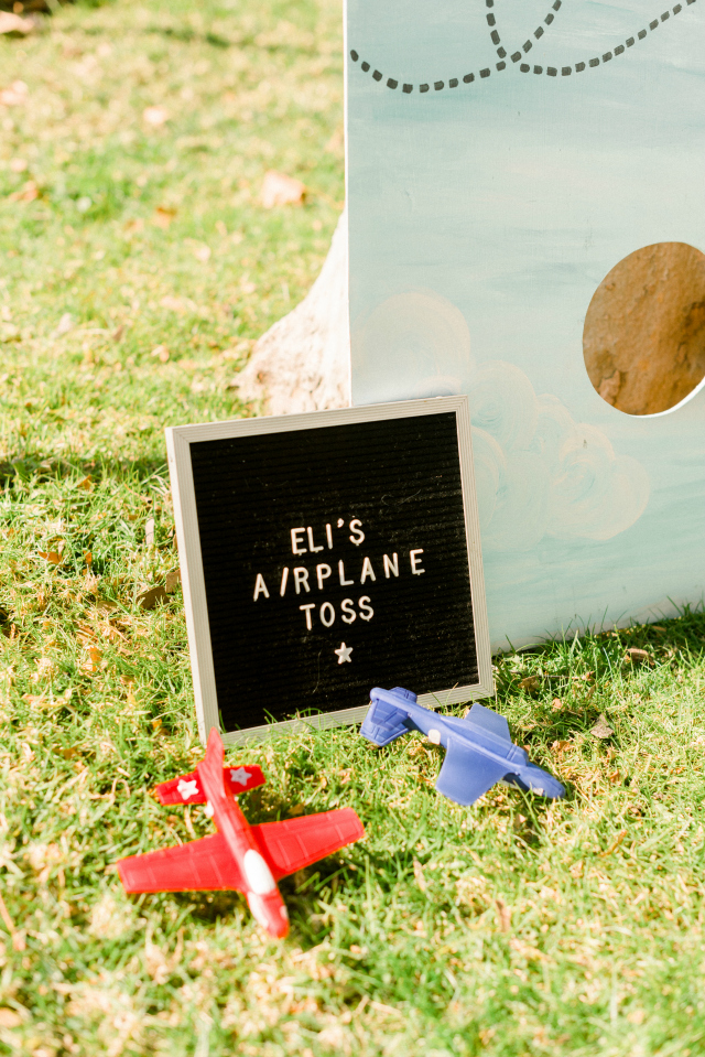 Airplane Toss Game Sign