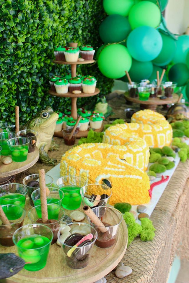 Bug and Reptile Party Dessert Table