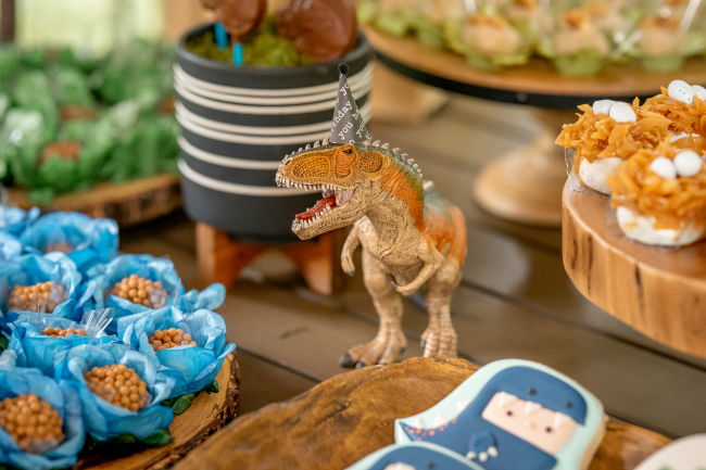 Roaring Dinosaur Birthday Party Theme