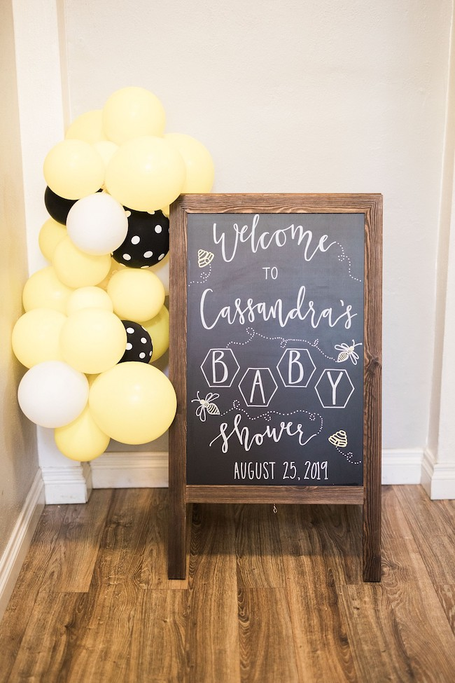 Mama To Bee Baby Shower Welcome Sign