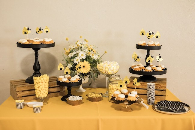 Mama To Bee Baby Shower Desserts